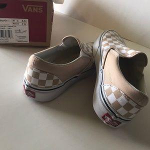 1f4dc6a4236 Vans Shoes - Vans slip on frappe 7 5.5 NEW! Checkered white
